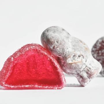 20% offerts en boutique et en ligne sur nos deux Best-Sellers :  Les Jelly Babies et Fruit Jellies !  Vite, vite, vite c'est jusqu'à demain soir. . . . . . . #20% #bonbon #sweets #jellybabies #jelly #london #uk